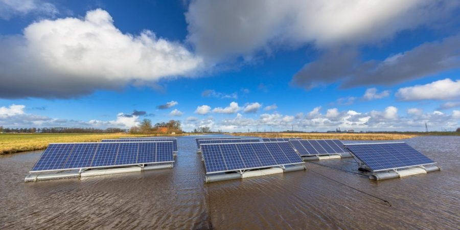 floating-solar-units-on-water-panorama-PALDDE2-1024x512